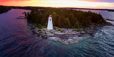 Tobermory Lighthouse at sunset